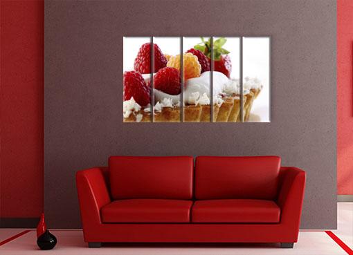 ягодное пироженное