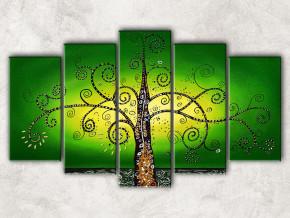 дерево на зелёном с фоном